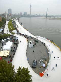 Løypa i Düsseldorf gikk langs Rhinens bredder. (Foto: AP/Scanpix)