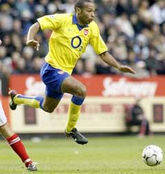 Thierry Henry reddet Arsenal. (Foto: AP/Scanpix)