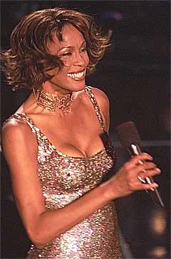 Den tidligere popdivaen Whitney Houston skal ha fått nye og alvorlige problemer å stri med. Arkivfoto: Mark J.Terrill, AP / Scanpix.
