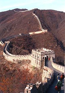 Det blei billegare for Mesta å bygge ein miniversjon av den kinesiske mur, enn å kjøpe norsk gråstein frå Fosen Stein. (Foto: Wibecke Lie / NTB / SCANPIX)