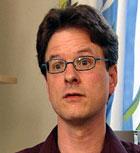 Christopher S. Nielsen forskar både på ein- og toegga tvillingar