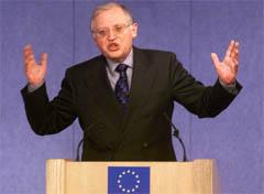 EU-kommisær Günter Verheugen. (Foto: AP/Scanpix)
