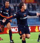 John Carew og Antonio Cassano stod bak Romas seiersmål (Foto: Plinio Lepri AP)