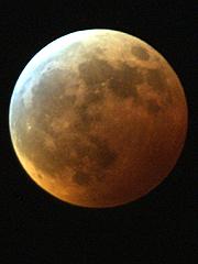 Måneformørkelse (Foto: Gorm Kallestad, SCANPIX)