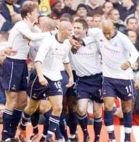 Tottenham var høyt oppe tidlig i kampen. (Foto: AP Photo/PA, Sean Dempsey)