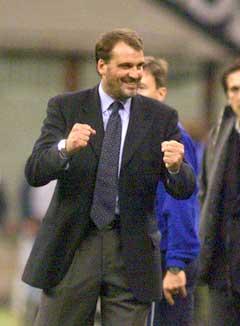 Marco Tardelli trente Inter tidligere og jubler her over 3-1 over Napoli år 2000. (Foto: AP/Scanpix)