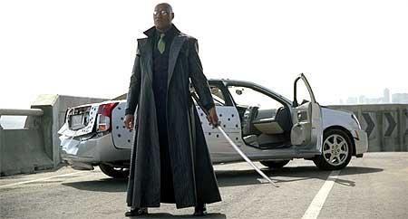Og Laurence Fishburne skal liksom ha MC-dilla..? Han burde vel kanskje frisket opp kjøreferdighetene.