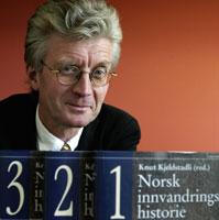 """Knut Kjeldstadli har vært redaktør for """"Norsk innvandrerhistorie""""(Foto: Scanpix/Bjørn Sigurdsøn)"""