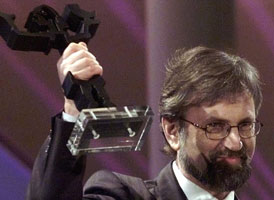"""Torbjørn Færøvik fikk Bragprisen også i 1999, da for boken India - Stevnemøte med skjebnen"""" (Foto: Scanpix/Knut Fjeldstad)"""