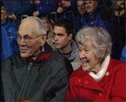 Bestemor og bestefar Solberg på fest. ( Foto: NRK )