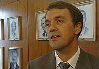 GODT FORNØYD: Generaldirektør Eivind Reiten framhever høye oljepriser og solide inntekter i andre kvartal (Foto: Scanpix)