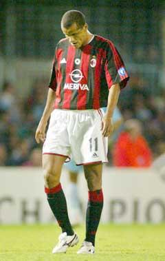 Rivaldo sliter med å få spilletid i Milan. (Foto: AP/Scanpix)