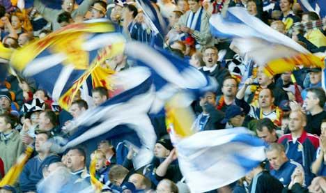Stor jubel blant skotske fans på Hampden Park. (Foto: AFP/Scanpix)