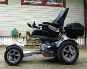 Motorisert rullestol. Illustrasjonsfoto: NRK