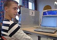 Christoffer Cornelussen synes Linux er bedre enn Windows. (foto: NRK)