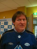 Molde-trenar Reidar Vågnes blir framleis sponsa av Sparebanken Møre.