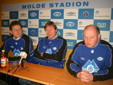Sportslig leder Bertil Stranden, ny hovedtrener Reidar Vågnes og MFK-direktør Espen Silseth på pressekonferansen tirsdag. Foto: Gunnar Sandvik