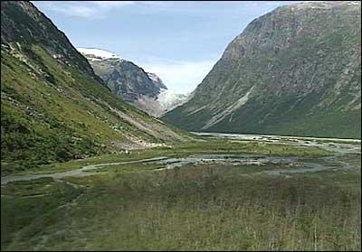 Jostedalsbreen nasjonalpark innanfor Fåbergstølane. (Foto: Stein Magne Os, NRK)