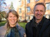 Forsker Paul Møller og leder Nina Helen Mjøsund ved den nye forsknings- og utviklingsavdelingen.