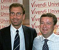 Edgar Bronfman og Vivendi-sjef Jean-Marie Messier 20. juni 2000 i Paris, etter salget av Seagram/Universal til franske Canal Plus. Foto: Laurent Rebours AP/Scanpix.