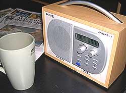 Vi hører mer på radio enn før, men er ikke like trofaste når det gjelder kanalvalg.