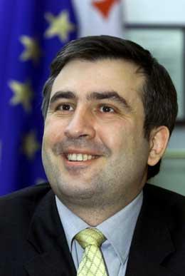 FAVORITT: Opposisjonsleder Mikhail Saakasjvili er favoritt foran presidentvalget i Georgia 4. januar. (Foto: REUTERS/Vasily Fedosenko)