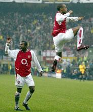 Thierry Henry scoret to av Arsenals mål og var til tider i en egen klasse på banen.(Foto: Nick Potts/AP)