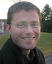 Kommunalråd (Ap) Rune Olsø i Trondheim lover 6-700 nye elevplasser ved denkommunale Kulturskolen i 2004. Foto: Arne Kristian Gansmo, NRK.