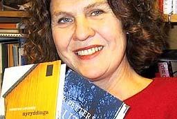 Marta Norheim er programleder for P2-lytternes romanpris