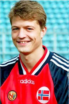 Karl-Petter Løken har selv 36 A-landskamper.