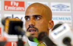 Juan Sebastian Veron må trolig stå over møtet med gamle lagkamerater. (Foto: AP/Scanpix)