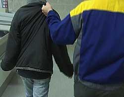 Butikktyv anholdes arrangert bilde. Foto: NRK