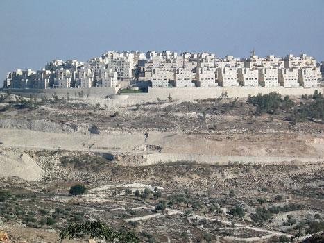 Bosetterne foretrekker å bygge på høydene på Vestbredden.