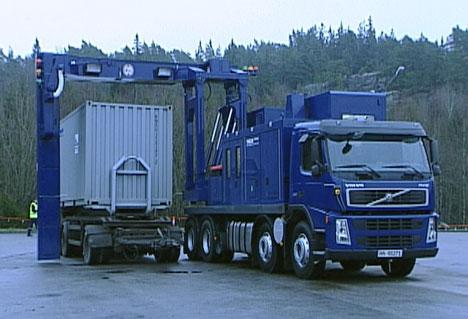 Tollernes scanner på Svinesund oppdaget 18 kilo amfetamin i en parkettlast.