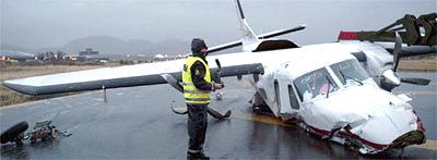 Dornier 228-maskinen slik den endte ved enden av rullebanen i Bodø. Foto: Ole-Kristian Losvik, NRK.