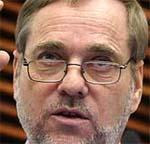 FORNØYD: Utenriksminister Jan Petersen er glad for at Saddam Hussein er arrestert.