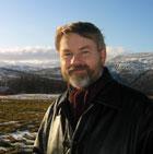 Erling Strand er prosjekt-leiar for Prosjekt Hessdalen. Foto: NRK