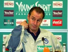 Huub Stevens ble sparket som trener i Hertha Berlin. Foto: AFP/Scanpix