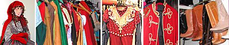 Et godt utvalg av klær og sko er tilgjengelig på lager. Kjente kostymer og antrekk for enhver anledning er ryddig organisert og henger lett tilgjengelig.