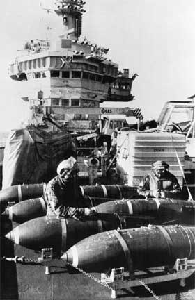 ATOMVÅPEN: Britene har vedgått at det var kjernefysiske sprengladninger ombord på britiske krigsskip under Falklandskrigen i 1982. (Foto: AFP Photo)
