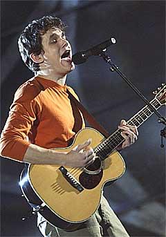 Teitur har laget årets plate, mener stjerneskuddet John Mayer. Foto: Mark Lennihan, AP.