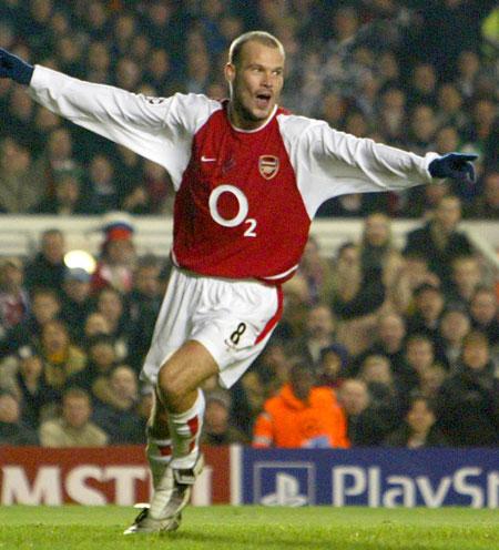 Fredrik Ljungberg scoret nok et viktig mål for Arsenal (Foto: Scanpix)