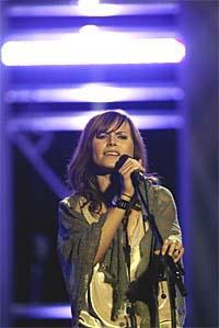 Nina Person på scenen i Oslo Spektrum torsdag kveld. Foto: Terje Bendiksby, Scanpix.