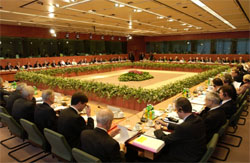 Intense forhandlinger under EU-møtet i Brussel i helgen. (Foto: AFP/Scanpix)