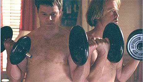 """Matt Damon og Greg Kinnear i en scene fra """"Stuck On you"""". Foto: 20th Century Fox."""