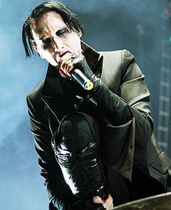 Marilyn Manson underholdt sine trofaste tilhengere i Oslo Spektrum torsdag kveld. Foto Cornelius Poppe / SCANPIX.