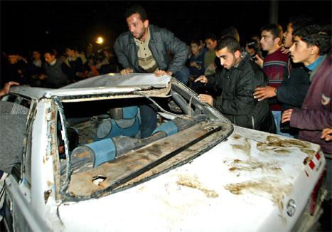 Fem menneske vart drepne i eit israelsk helikopterangrep i ettermiddag. (AP-Scanpix-foto)
