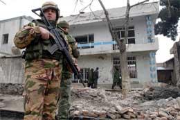 Det er omfattande tryggingstiltak i Kabul etter mange bombeangrep den siste tida. (Reuters-Scanpix-foto)