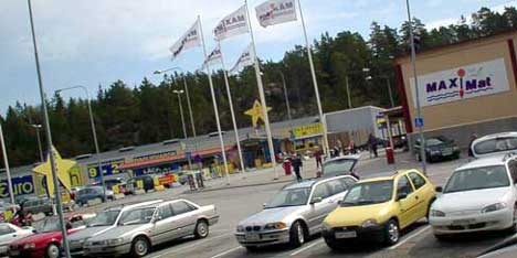 Nordmenns grensehandel i Sverige har økt i år 2003, på tross av at den norske kronen er mindre verdt. Foto Rainer Prang NRK.