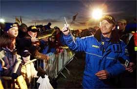 Petter møter fansen under første dag i Wales (Foto: Scanpix/Erlend Aas)